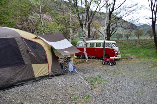 テントとタープの連結方法!設営や張り方のコツは?キャンプ時のおすすめ商品?