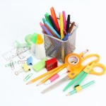 夏休みの宿題の工作は何作る?プラスチックキーホルダーの評判がいい♪簡単に作れる低学年向けの作品は?